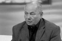 Elhunyt Usztics Mátyás