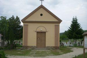 Súlyos visszaélések az esztergomi temetőben
