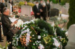 Online temetés közvetítés?